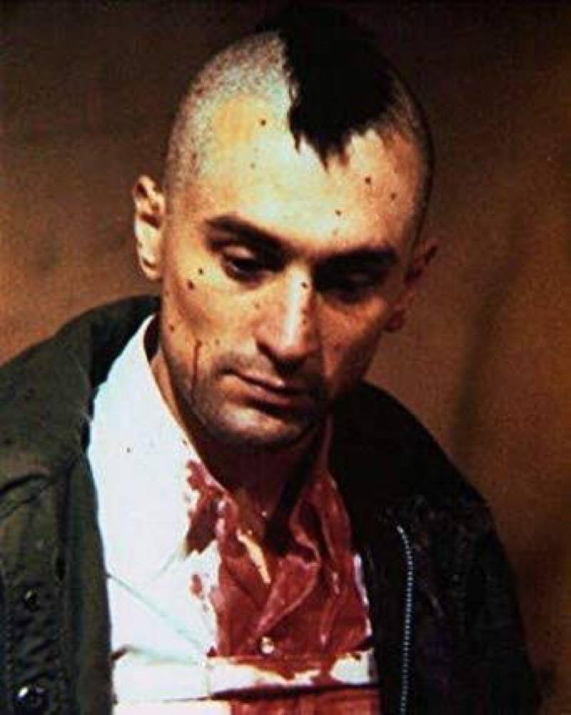 『タクシードライバー』でモヒカン血だらけのロバートデニーロ